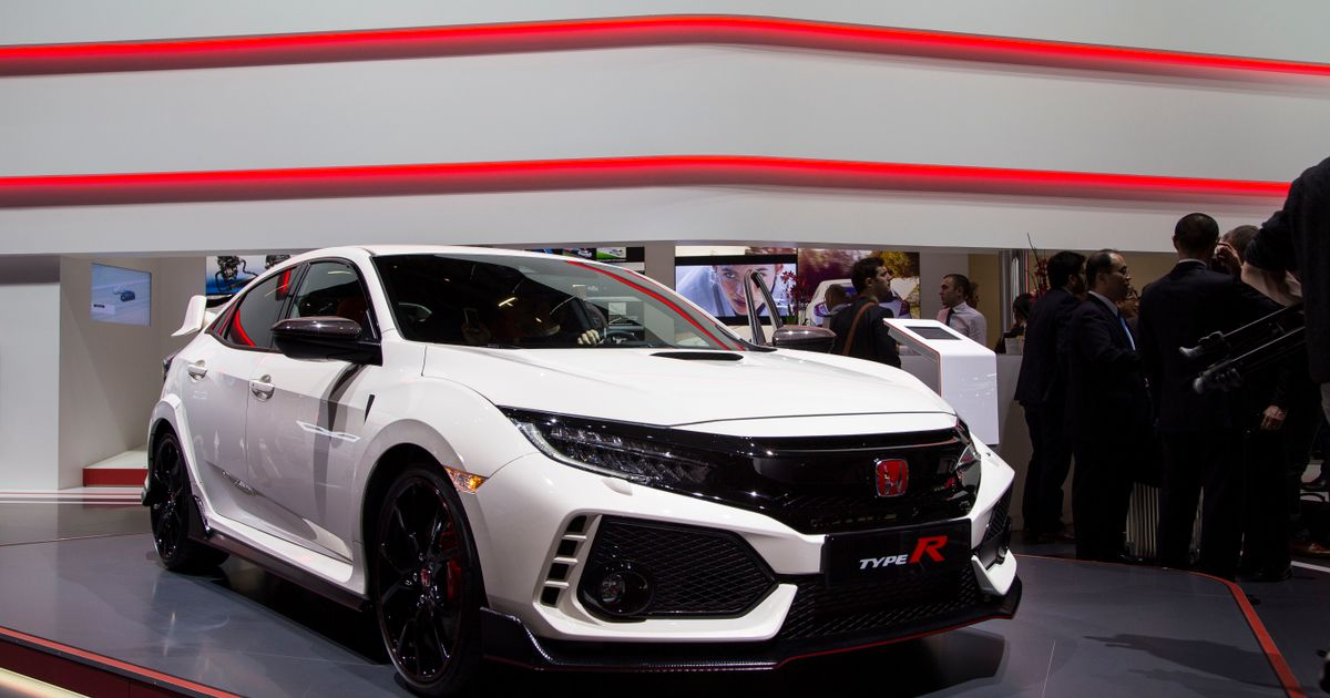 the new honda civic type r will set you back 30 995 and up. Black Bedroom Furniture Sets. Home Design Ideas