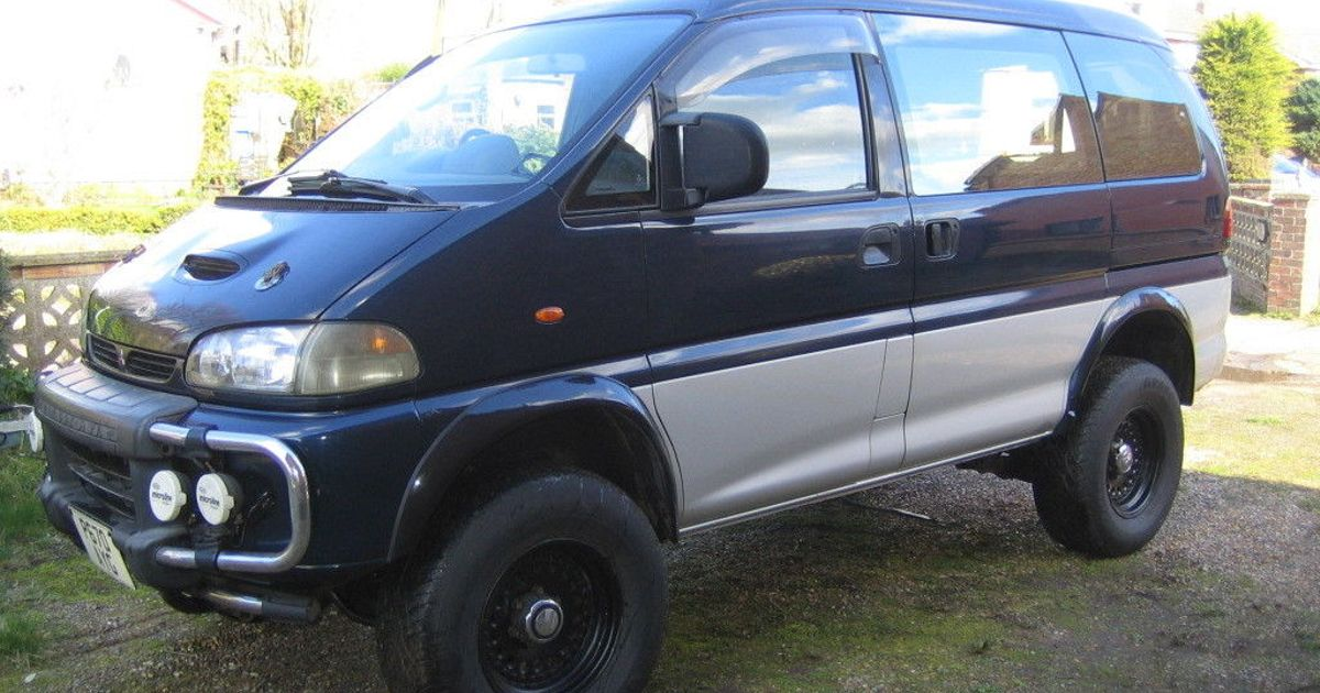 This V8-Engined Mitsubishi Delica Is Strangely Hard To Resist