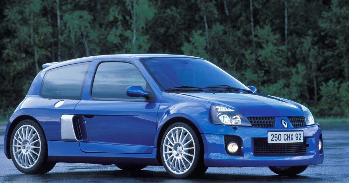 the renault clio v6 renault sport rs hell 39 s hatch for the modern man. Black Bedroom Furniture Sets. Home Design Ideas