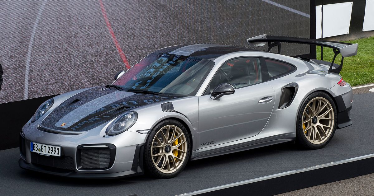 the 690bhp porsche 911 gt2 rs is a seriously rapid slice. Black Bedroom Furniture Sets. Home Design Ideas