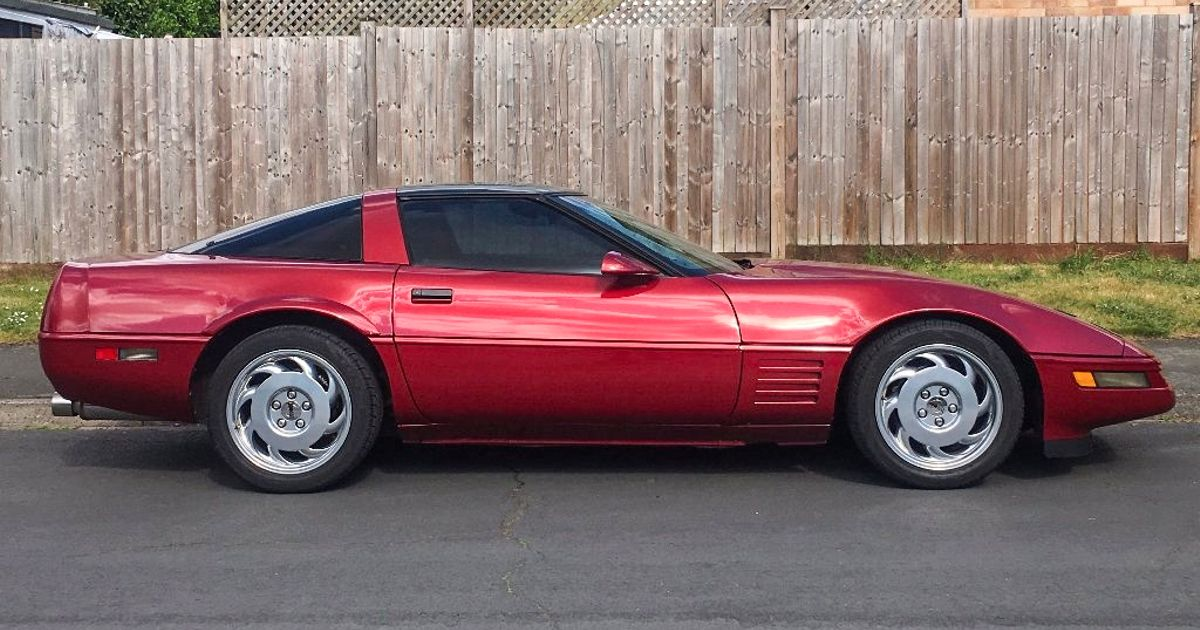 This 25-Year-Old Corvette Is An Affordable Slice Of American Cool