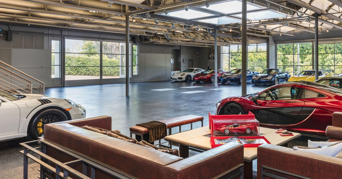 Do everything you can to buy the world s best live in garage for Garages you can live in