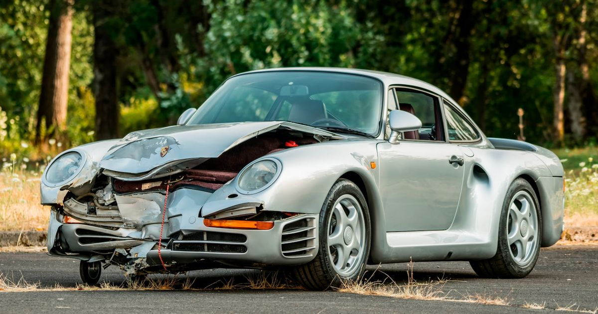 This Porsche 959 Got Wrecked On The Way To Auction; Still Sold For $467,500