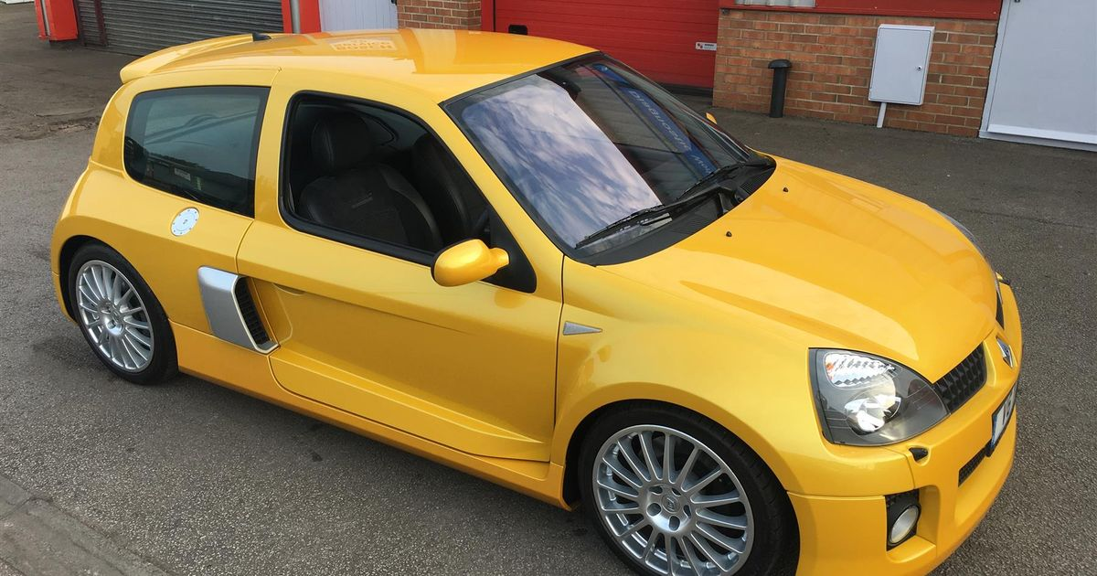 Omoral Kamel Identifiera  We Live In A World Where A Near-£70,000 Renault Clio V6 Exists