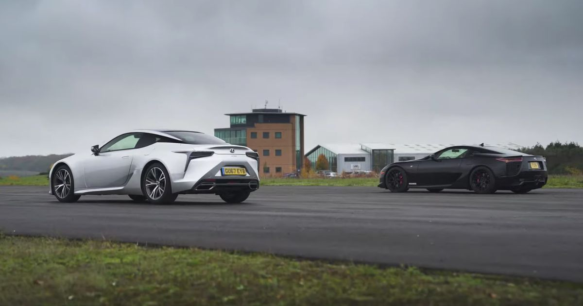 Lexus LC500 Drag Races LFA, Because Why Not