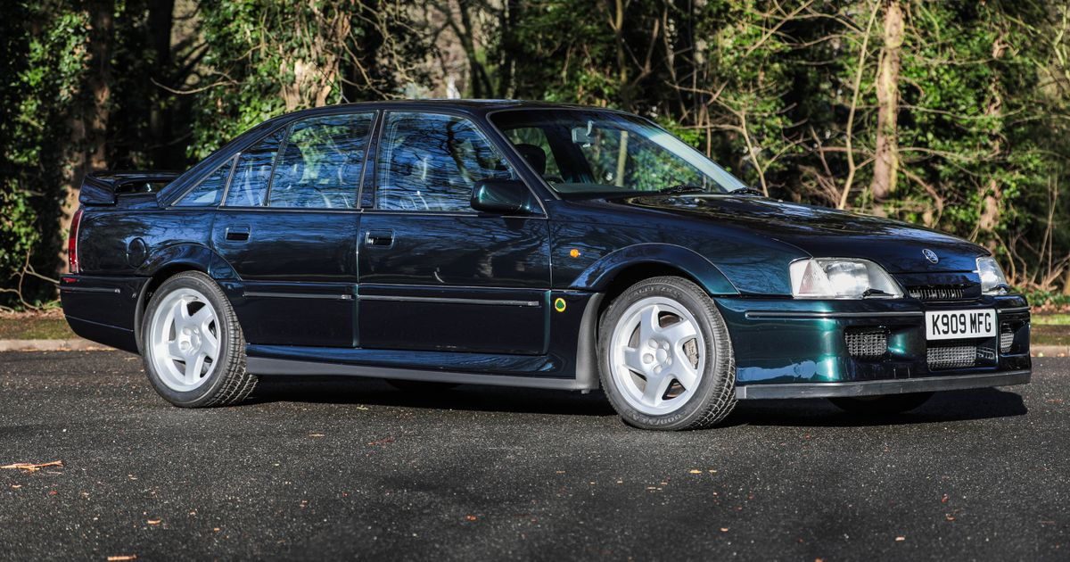 There Are Three Lotus Carltons And An 838-Mile Escort Cosworth At This Auction
