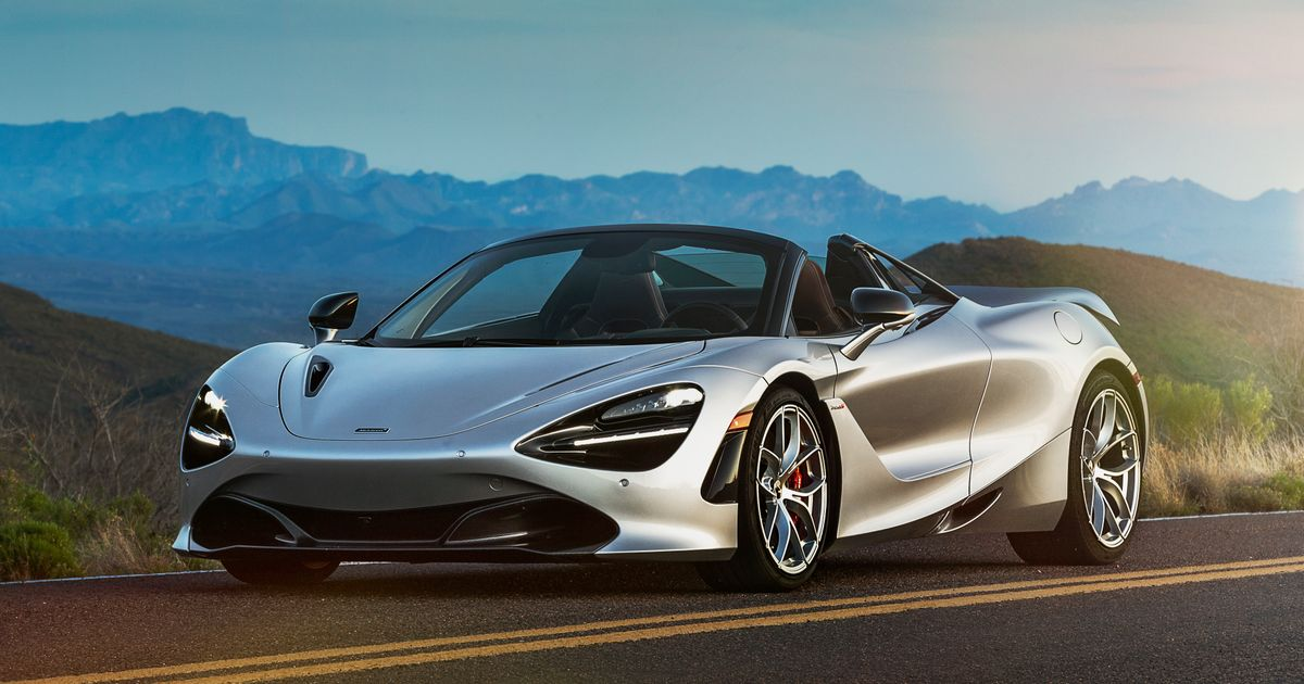 Figuring Out The McLaren 720S Spider In The Desert