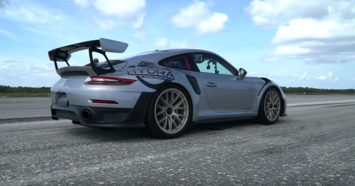 Witness The Absurd Acceleration Of A 911 GT2 RS As It Heads To 211mph
