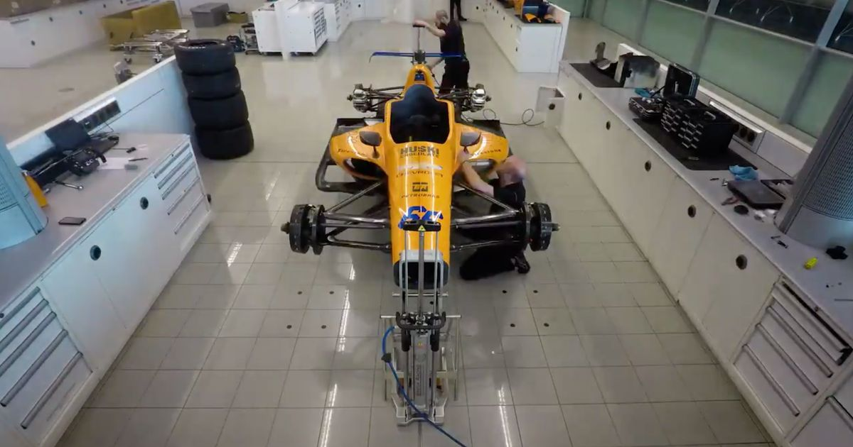 Watch This Amazing Time-Lapse Of McLaren Building Alonso s IndyCar