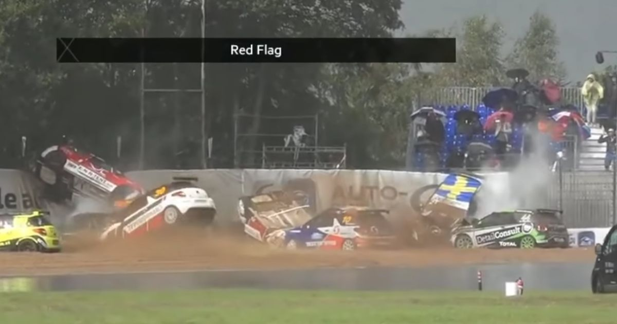 Chaotic Citroen Race Sees Most Of The Field Crash On One Corner