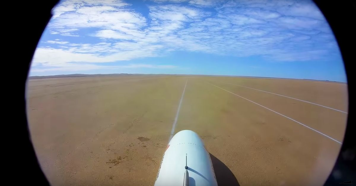Watch As Bloodhound LSR Tops 1000kmh In Final Desert Test