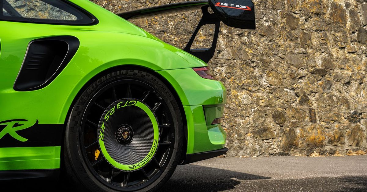 This Is The Porsche 911 GT3 RS MR And You Want One