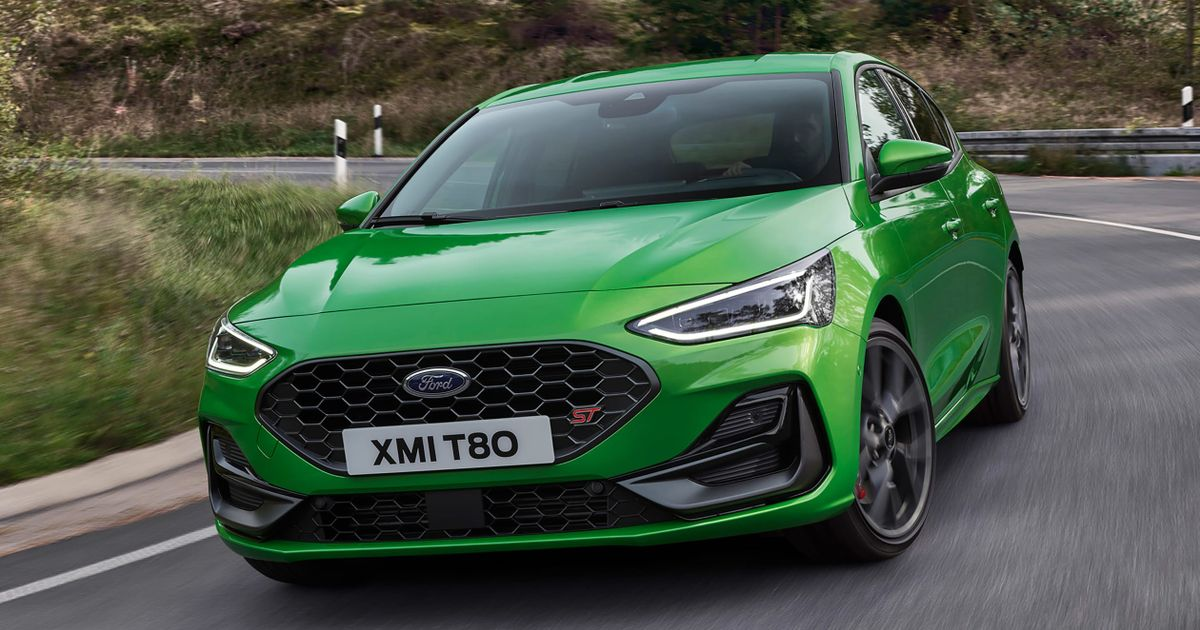 New Ford Focus ST Gets A Whopping Touchscreen, Mean Green Paint And A Wet Zone thumbnail