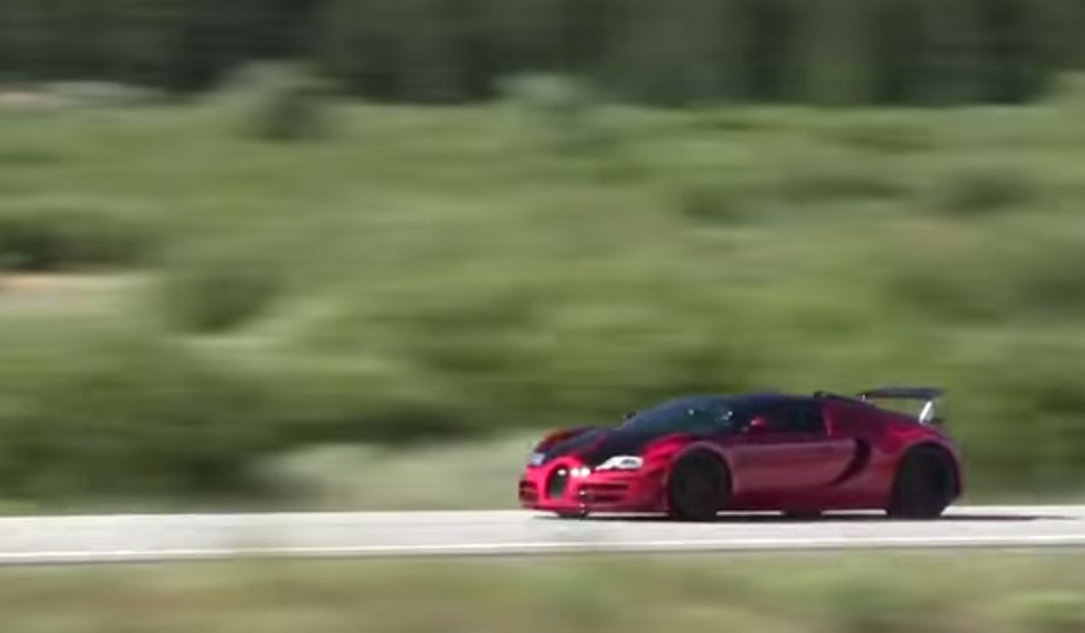 This Bugatti Veyron Sounds Like A Jet Fighter As It Cuts