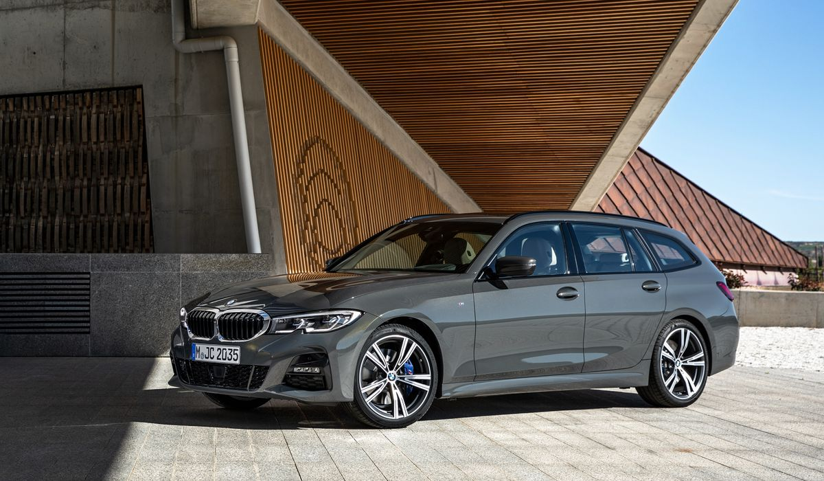 p90352582_highres_the-new-bmw-3-series.j