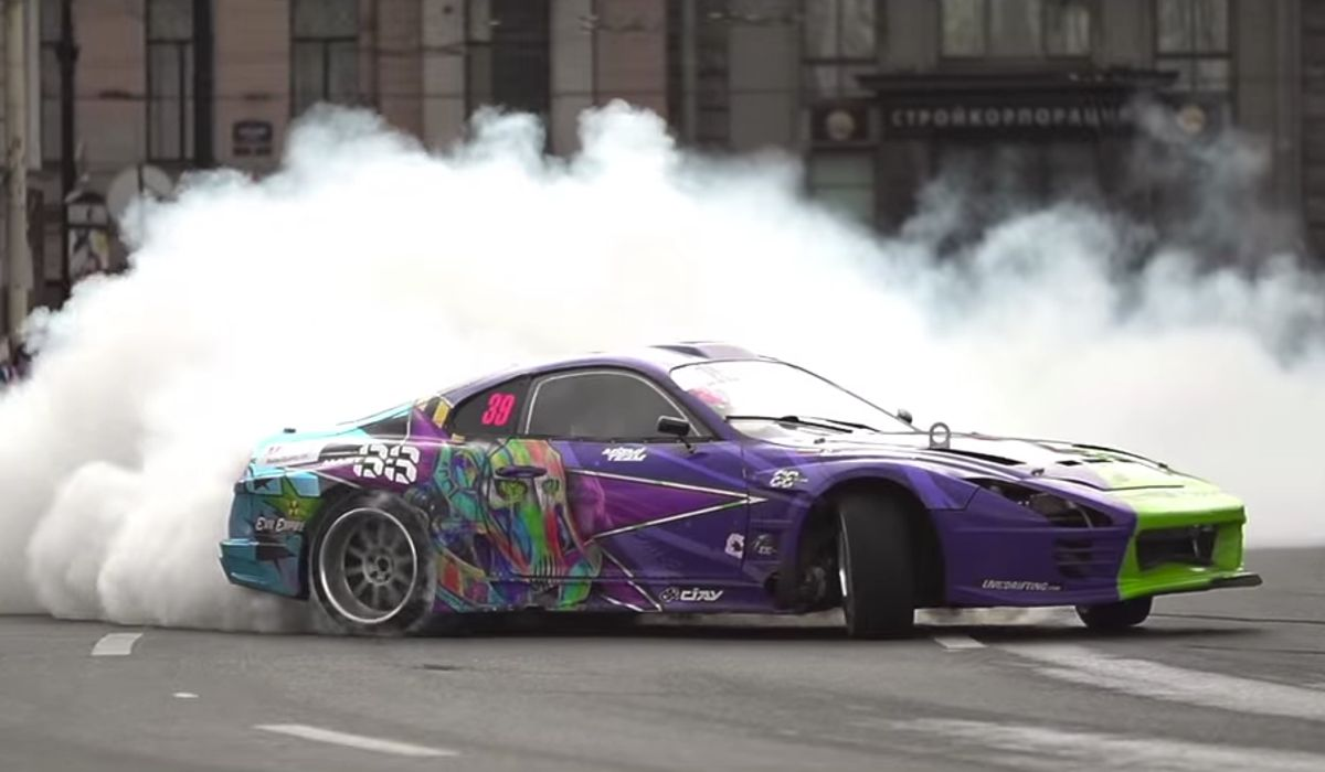 A 900bhp Supra Drift Car Tearing Up The Streets Of St. Petersburg Is ...