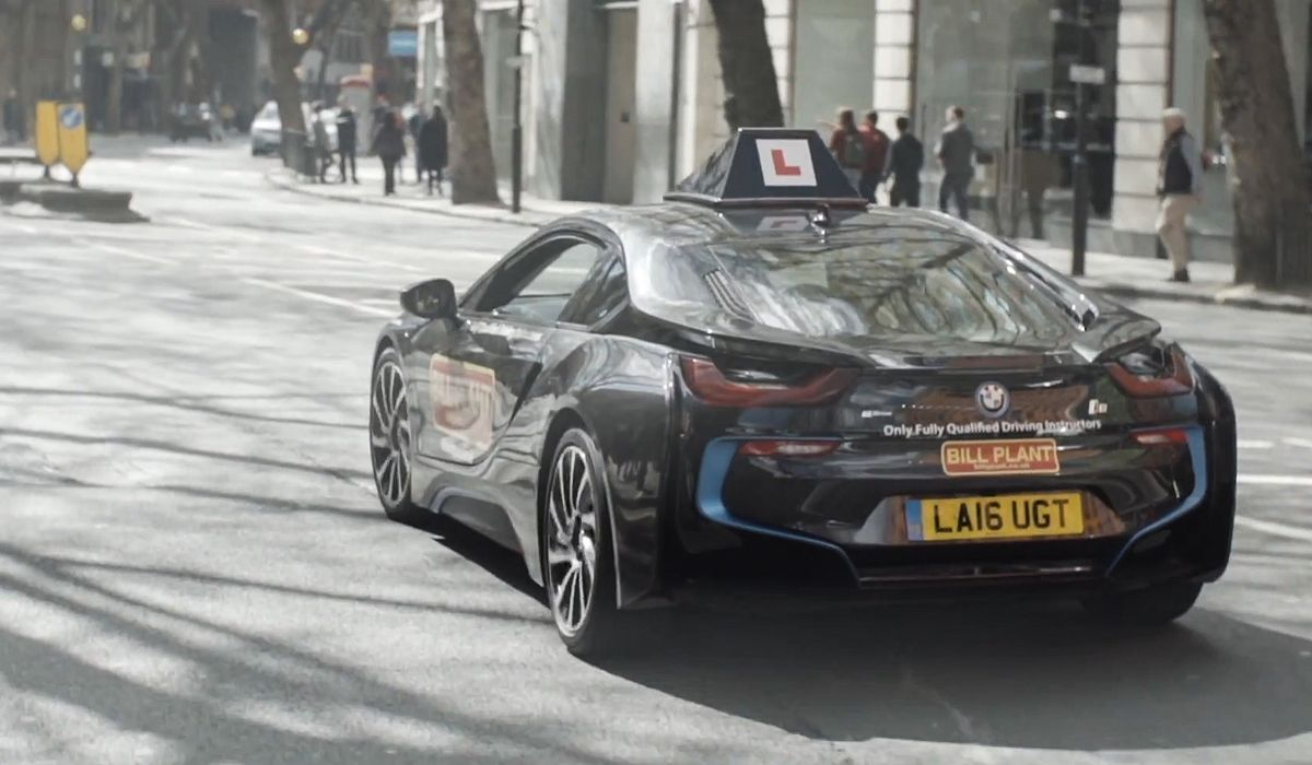 Bmw Driving School >> A London Driving School Is Offering Lessons In A Bmw I8