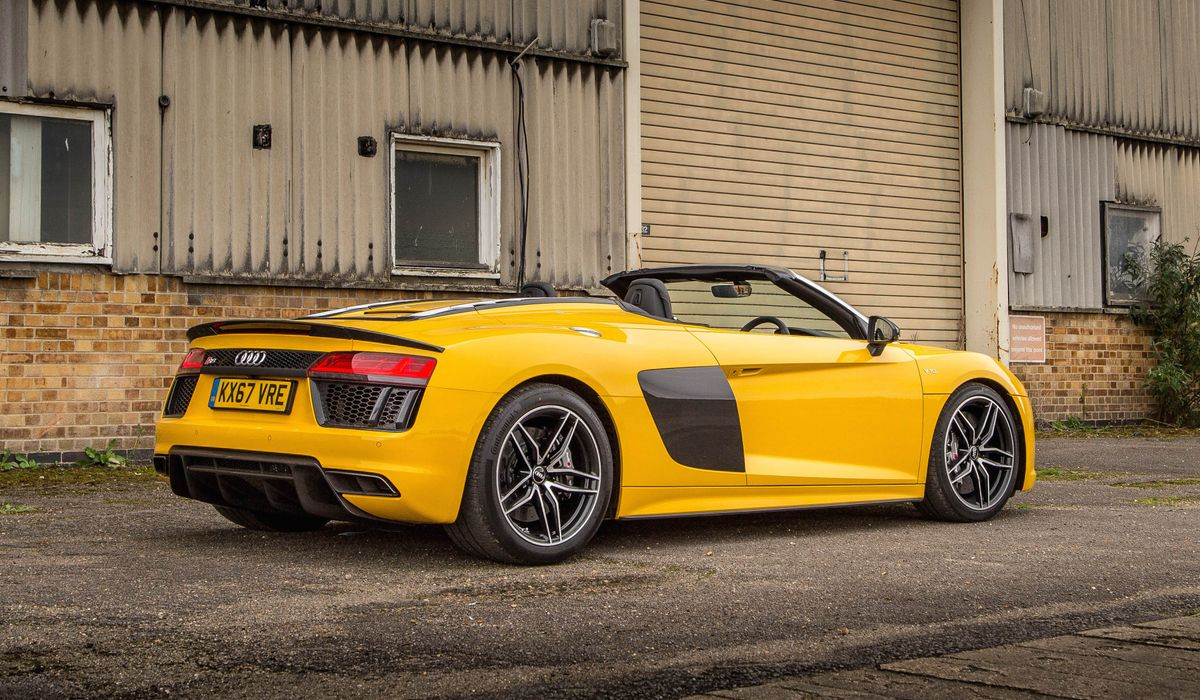 Audi R Spyder V Plus Review Not The Best Supercar But The One - Audi r8 v10 spyder