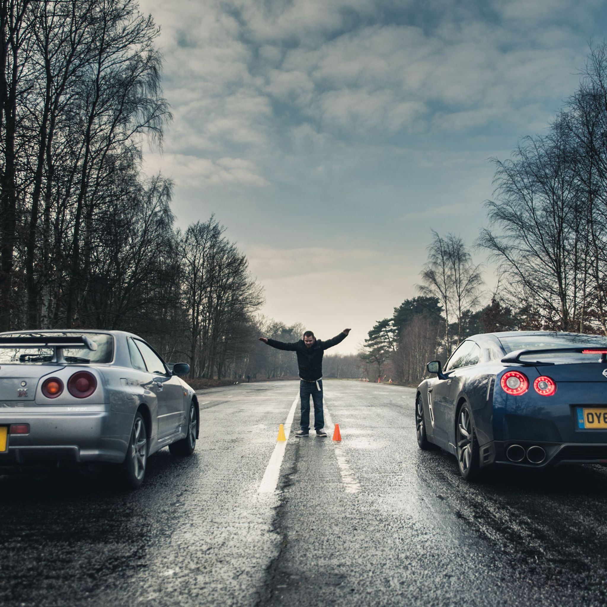 Nissan r34 skyline gt r vs r35 gt r downloadable image gallery part 3 tablet ipad android tablet voltagebd Images