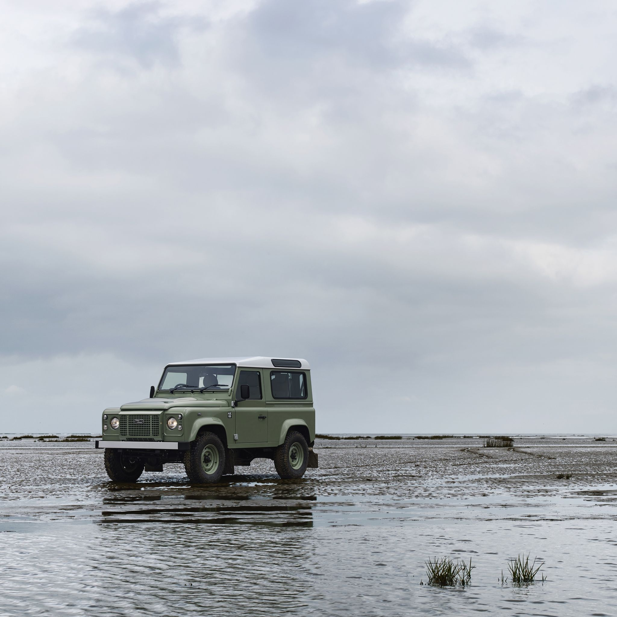 Wallpaper Old Land Rovers