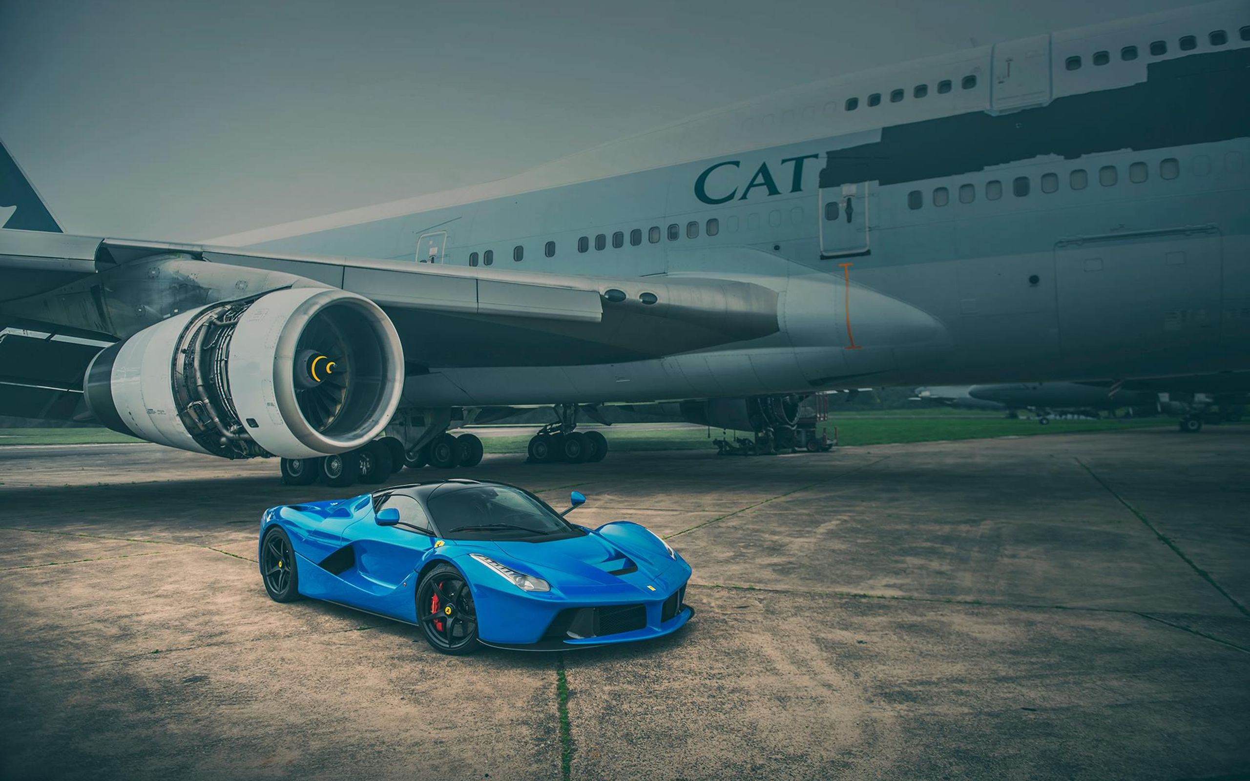 Merveilleux These LaFerrari Wallpapers Show Off The Prancing Horse Looking Classy In  Blue