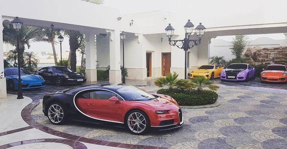 Geez! This is possibly the 3rd Bugatti Chiron in Qatar on mclaren p1 and bugatti, pagani zonda and bugatti, pagani huayra and bugatti, lamborghini and bugatti, hennessey venom gt and bugatti, dodge viper and bugatti, range rover and bugatti,