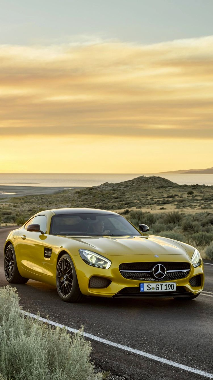 Give Your Desktop And Mobile A Mercedes Makeover With These