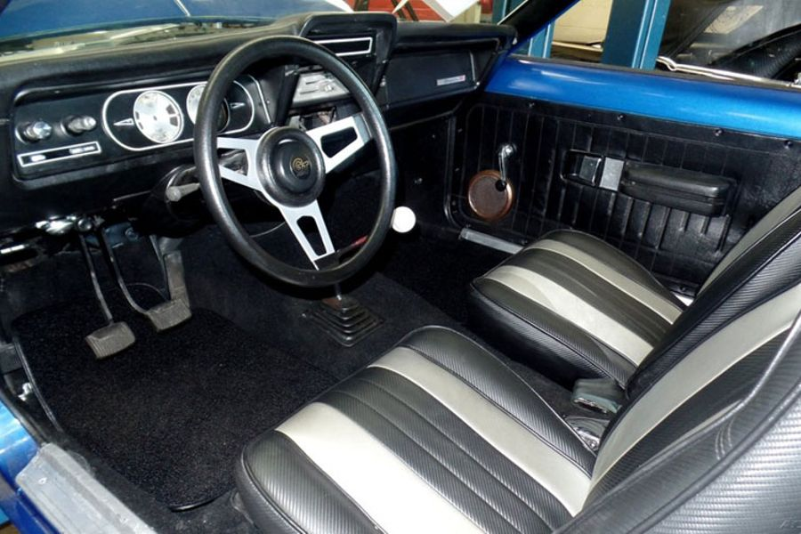 Today's WTF eBay Find: 300hp, 5 9-Litre V8 AMC Gremlin