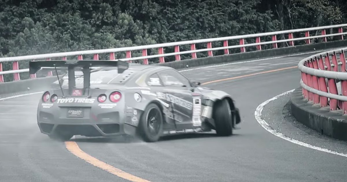 Drifting A 1000bhp Gt R In Torrential Rain Takes Serious