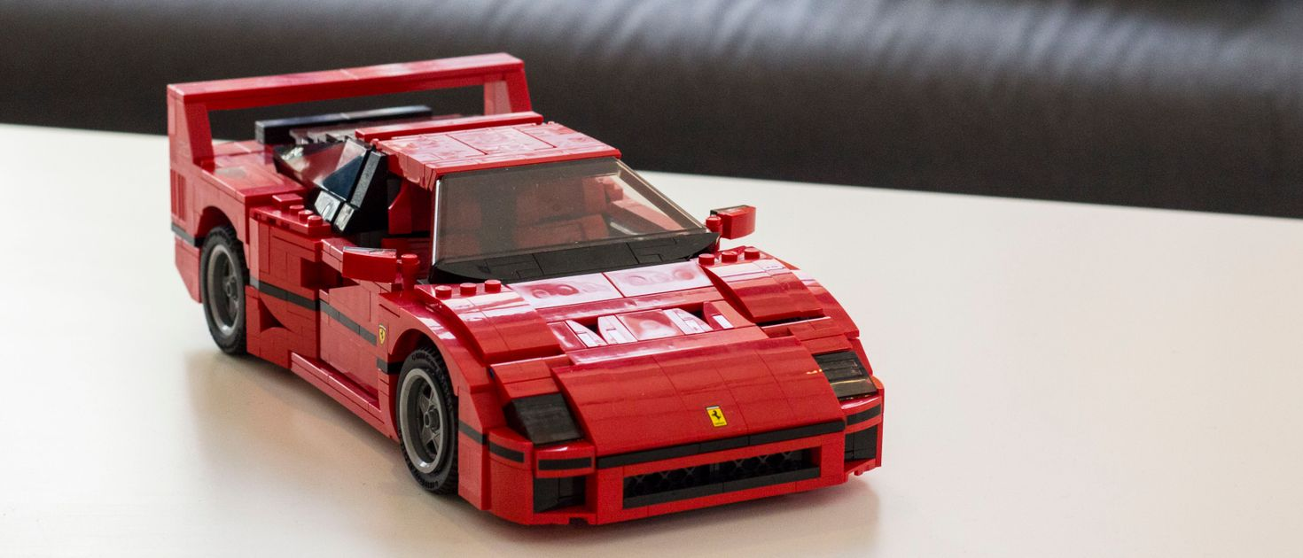 i built a lego ferrari f40 and it 39 s stupidly awesome. Black Bedroom Furniture Sets. Home Design Ideas